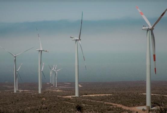 """El pasado 23 de Octubre el diario Clarín publicó una nota titulada """"Por un conflicto mapuche, se frena una inversión energética en Río Negro"""" en la que se hace referencia a la decisión de la empresa china Envision Energy SA de suspender la construcción de un parque eólico en el paraje Cerro Alto, Río Negro. […]"""